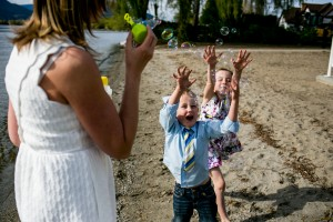 zina-kelowna-family-beach-photography (14)