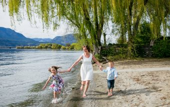 kelowna beach family photography cole 14