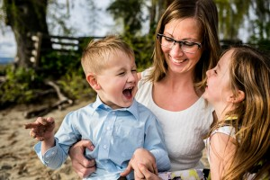 zina-kelowna-family-beach-photography (90)