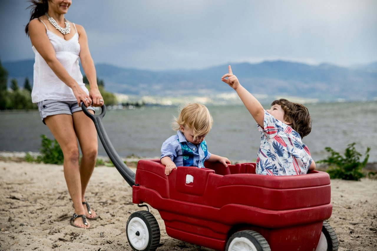 Okanagan Family Photography Portfolio | Kelowna Photographer Lori Brown Photography