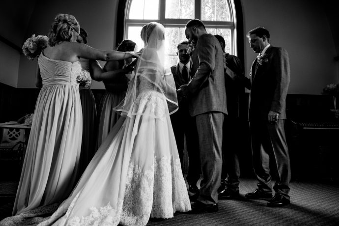 Kelowna Photographer Lori Brown Photography | Benvoulin Church Wedding